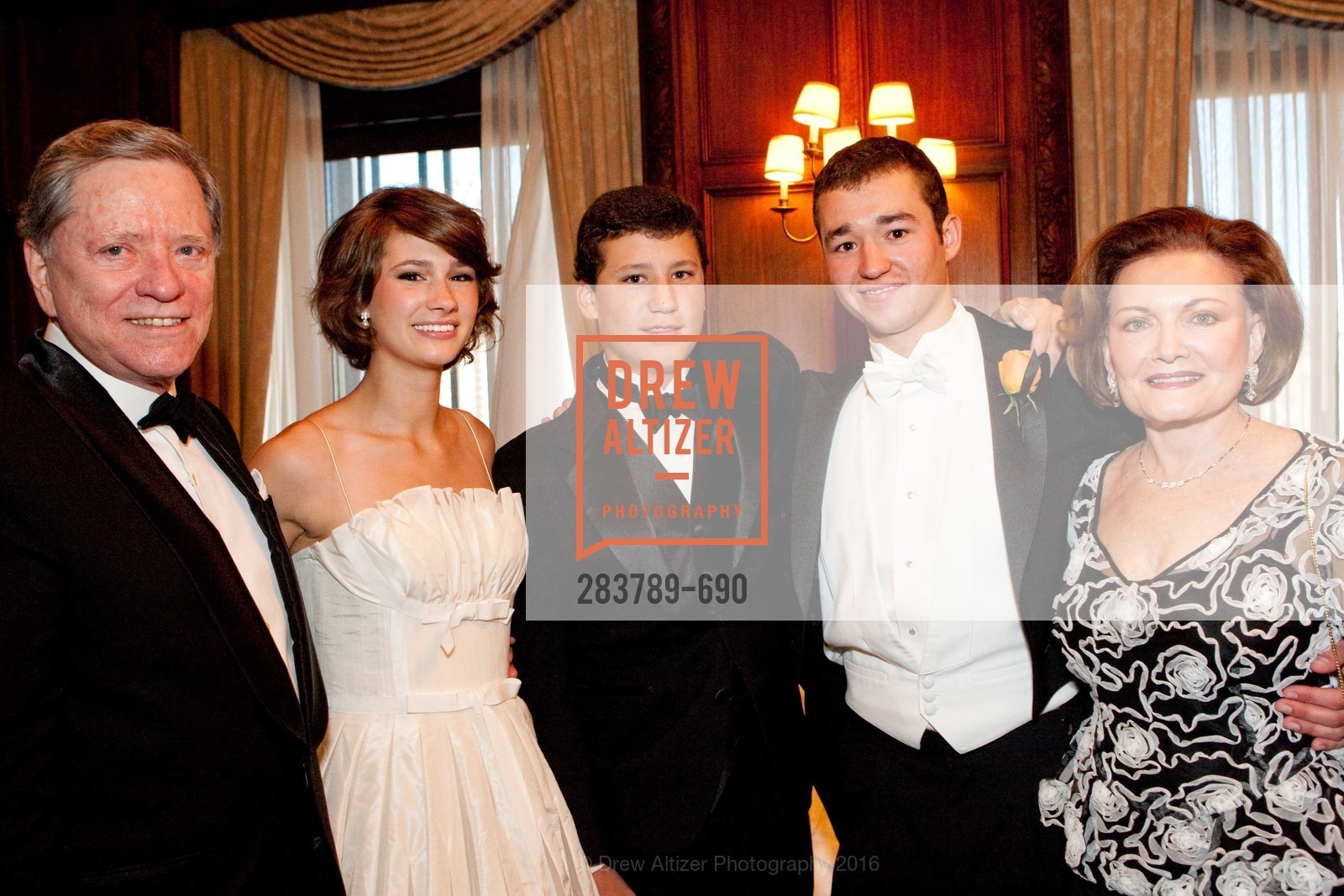 George McLaughlin, Grace Pritchett Milligan, James Milligan, Matt Milligan, Olive Ann McLaughlin, 2009 Debutante Ball, Unknown, July 4th, 2008,Drew Altizer, Drew Altizer Photography, full-service agency, private events, San Francisco photographer, photographer california