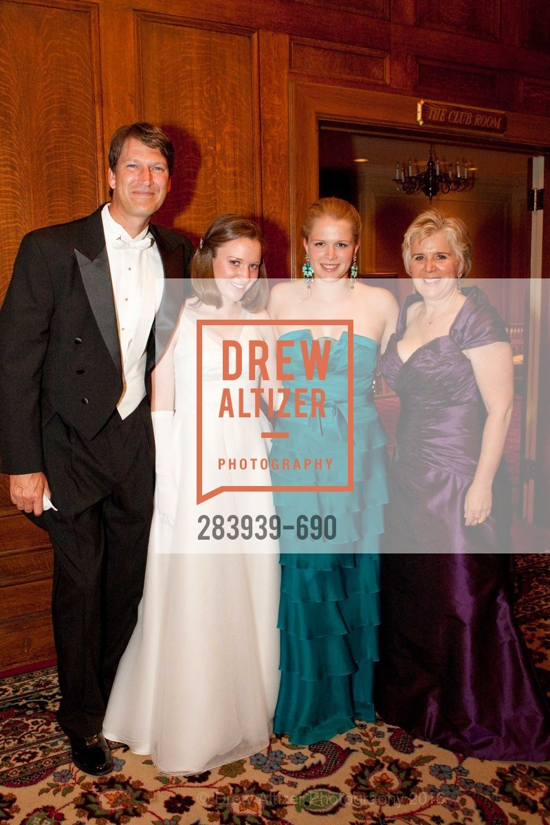 Peter Horn, Eloise Horn, Lucy Horn, Zellan LaFollette, 2009 Debutante Ball, Unknown, July 4th, 2008,Drew Altizer, Drew Altizer Photography, full-service agency, private events, San Francisco photographer, photographer california