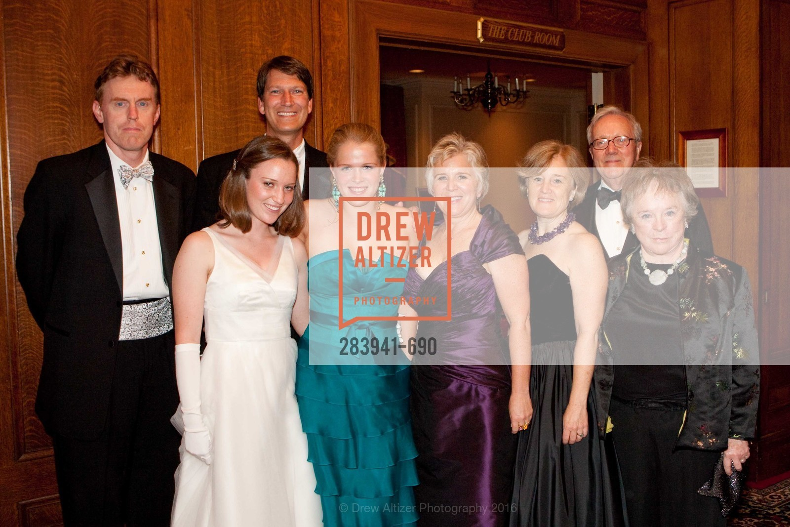 Tom Koegel, Eloise Horn, Peter Horn, Lucy Horn, Zellan LaFollette, Anne LaFollette, Charles LaFollette, Ellen LaFollette, 2009 Debutante Ball, Unknown, July 4th, 2008,Drew Altizer, Drew Altizer Photography, full-service agency, private events, San Francisco photographer, photographer california