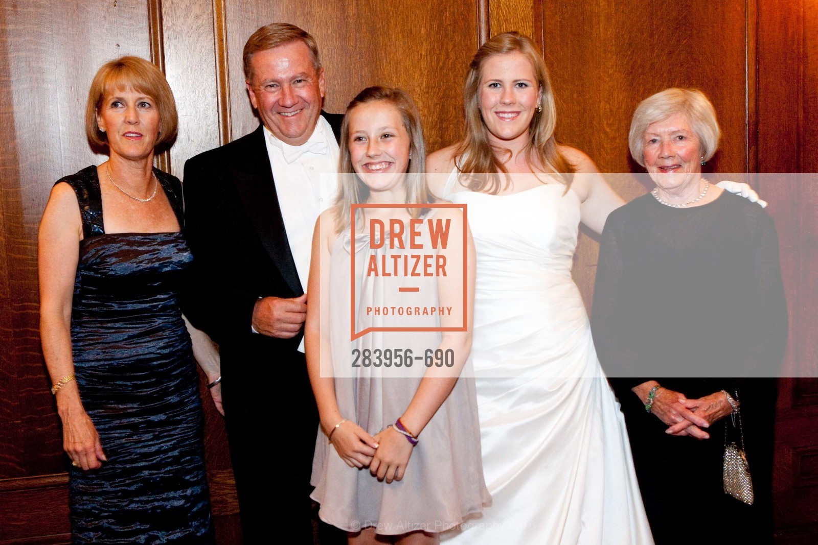 Susan Gillfillan, Mike Gillfillan, Megan Gillfillian, Kelly Gillfillan, Pat Gillfillan, 2009 Debutante Ball, Unknown, July 4th, 2008,Drew Altizer, Drew Altizer Photography, full-service agency, private events, San Francisco photographer, photographer california