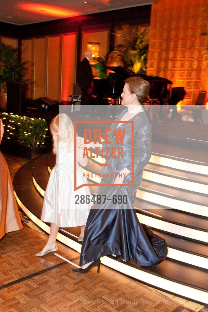 Olivia Edmondson, Susan Malott, 2009 Debutante Ball, Unknown, July 4th, 2008,Drew Altizer, Drew Altizer Photography, full-service agency, private events, San Francisco photographer, photographer california