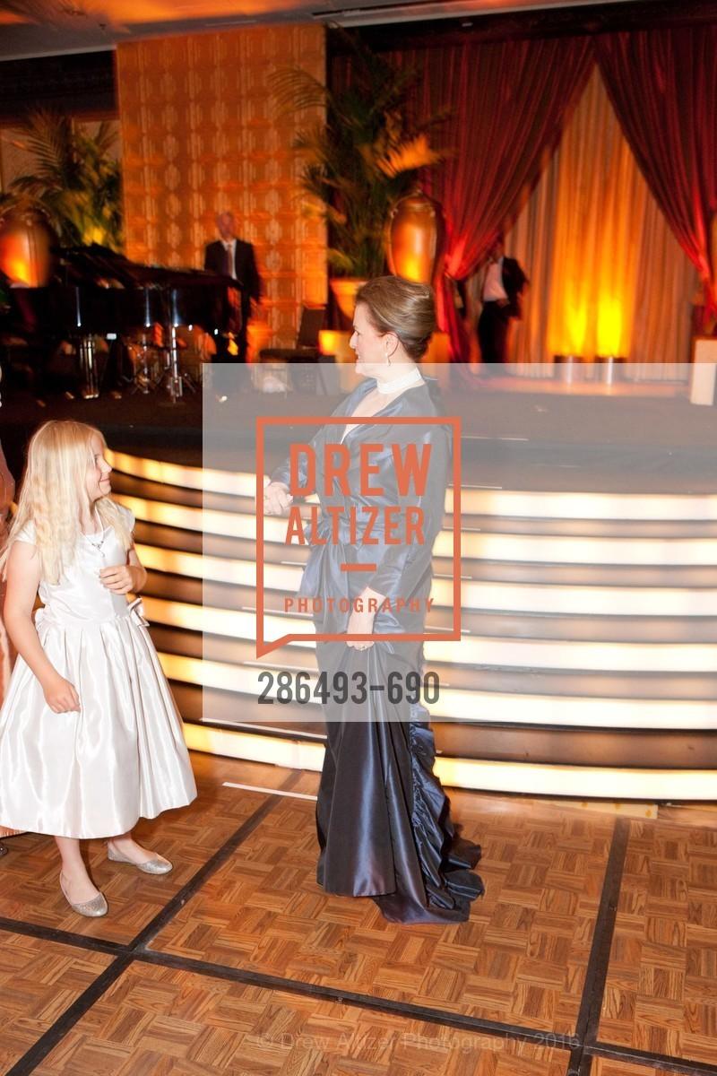 Olivia Edmondson, Susan Malott, 2009 Debutante Ball, Unknown, July 4th, 2008,Drew Altizer, Drew Altizer Photography, full-service agency, private events, San Francisco photographer, photographer california