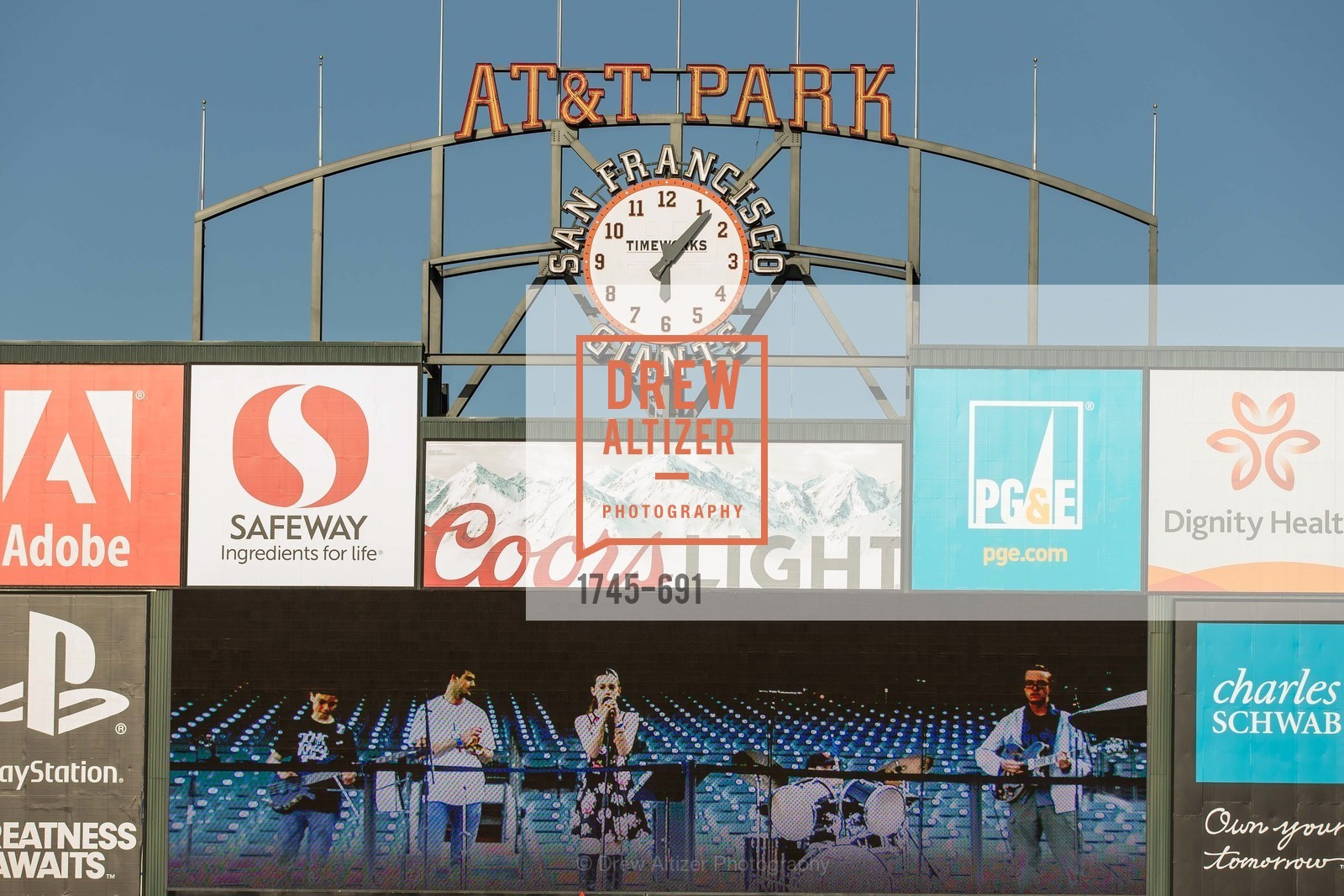 Performer, ST. FRANCIS FOUNDATION'S Knock It Out of the Park, US. AT&T Park, June 4th, 2015,Drew Altizer, Drew Altizer Photography, full-service agency, private events, San Francisco photographer, photographer california