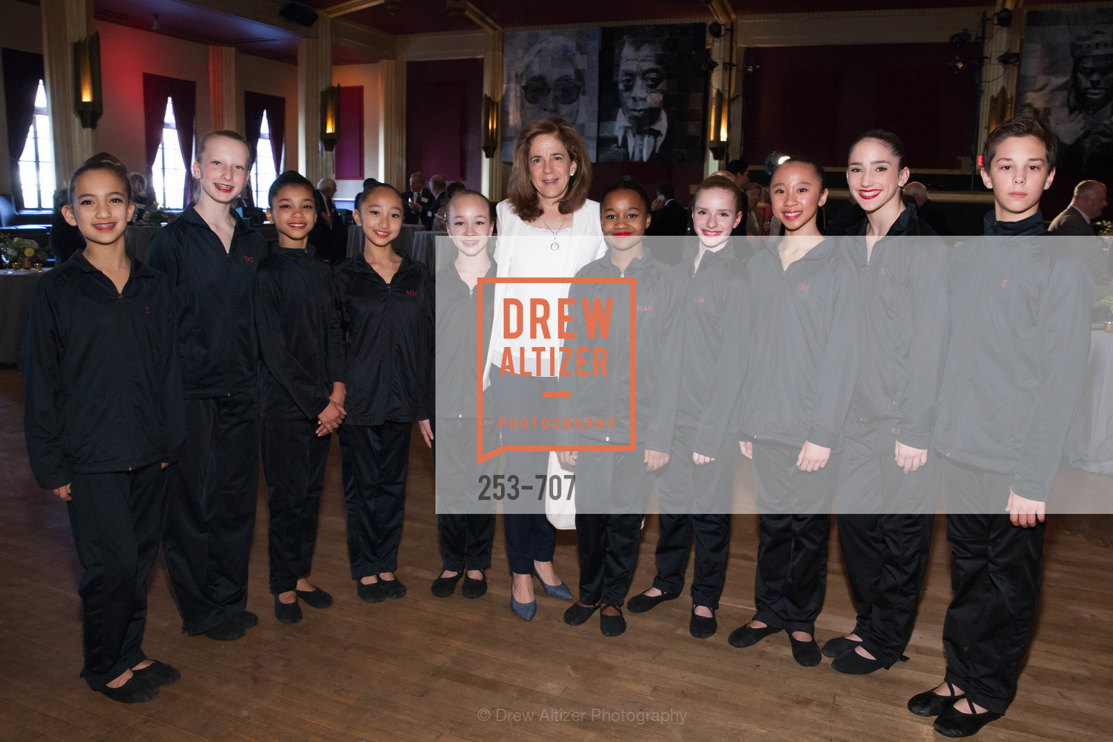 Anne Gust Brown, Students, OAKLAND SCHOOL FOR THE ARTS Gala 2015 with Governor Jerry Brown, US, May 8th, 2015,Drew Altizer, Drew Altizer Photography, full-service agency, private events, San Francisco photographer, photographer california