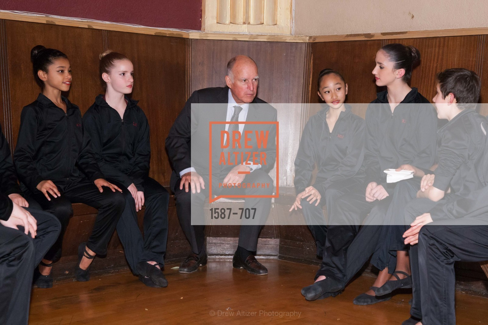 Gov. Jerry Brown, Students, OAKLAND SCHOOL FOR THE ARTS Gala 2015 with Governor Jerry Brown, US, May 8th, 2015,Drew Altizer, Drew Altizer Photography, full-service agency, private events, San Francisco photographer, photographer california