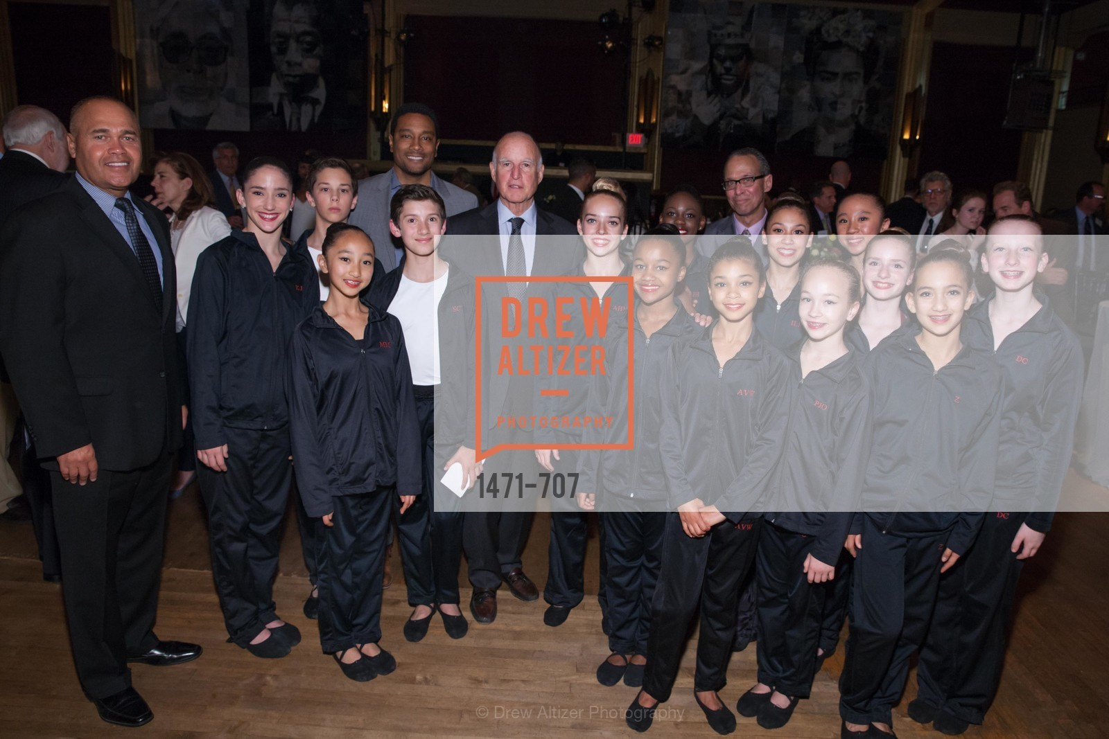 Hank Fore, Ken Maxey, Gov. Jerry Brown, Don Harris, Students, OAKLAND SCHOOL FOR THE ARTS Gala 2015 with Governor Jerry Brown, US, May 8th, 2015,Drew Altizer, Drew Altizer Photography, full-service agency, private events, San Francisco photographer, photographer california