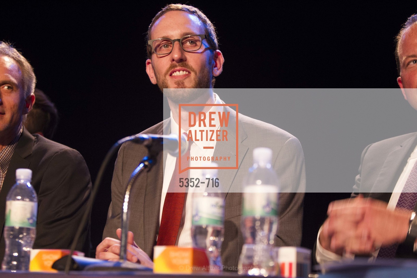 Supervisor Scott Wiener, READING PARTNERS BAY AREA Celebrity Spelling Bee, US, May 9th, 2015,Drew Altizer, Drew Altizer Photography, full-service agency, private events, San Francisco photographer, photographer california