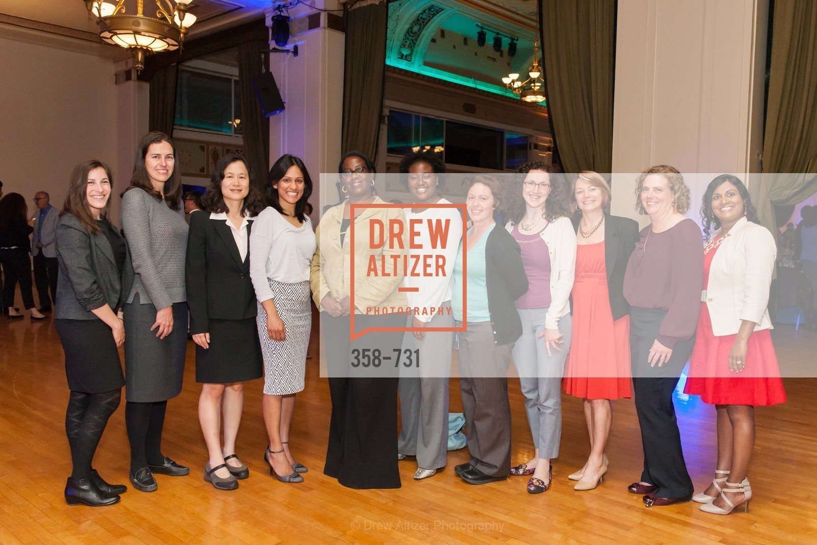 Group Picture, WOMEN'S TRANSPORTATION SEMINAR SF Bay Area Chapter Annual Scholarship Awards, US, May 14th, 2015,Drew Altizer, Drew Altizer Photography, full-service agency, private events, San Francisco photographer, photographer california
