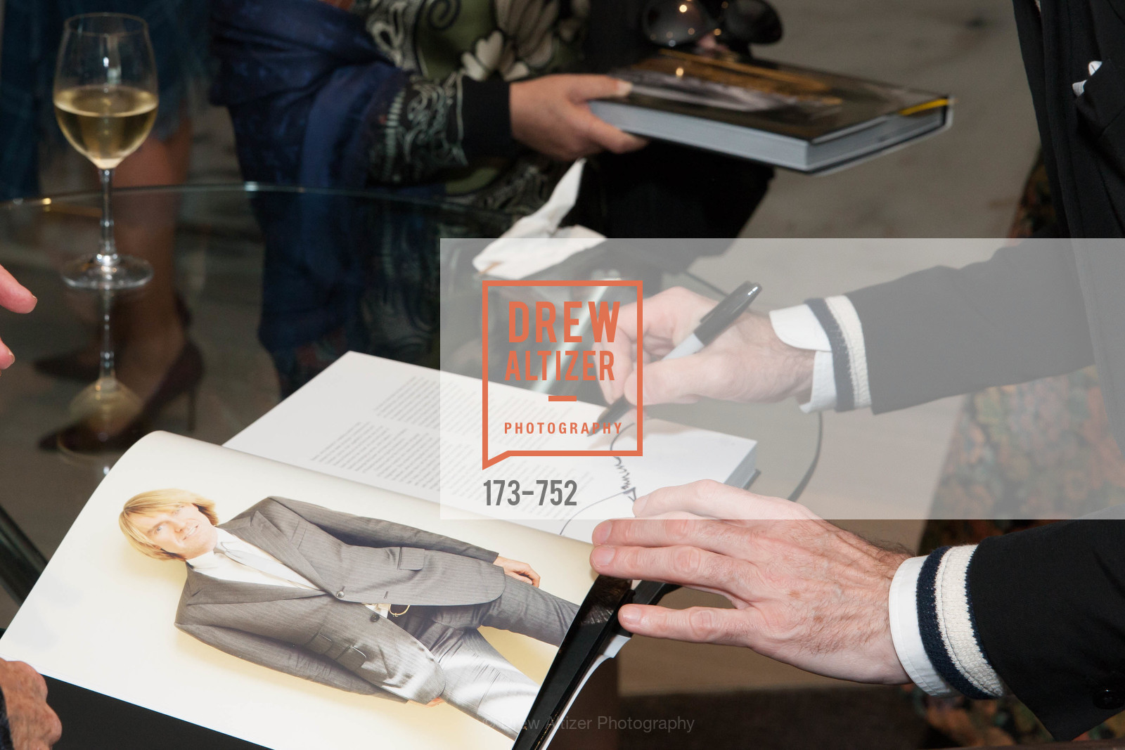 Atmosphere, Electric Fashion Book Signing with Christine Suppes & Ken Downing at THE ROTUNDA, NEIMAN MARCUS, US, May 27th, 2015,Drew Altizer, Drew Altizer Photography, full-service agency, private events, San Francisco photographer, photographer california