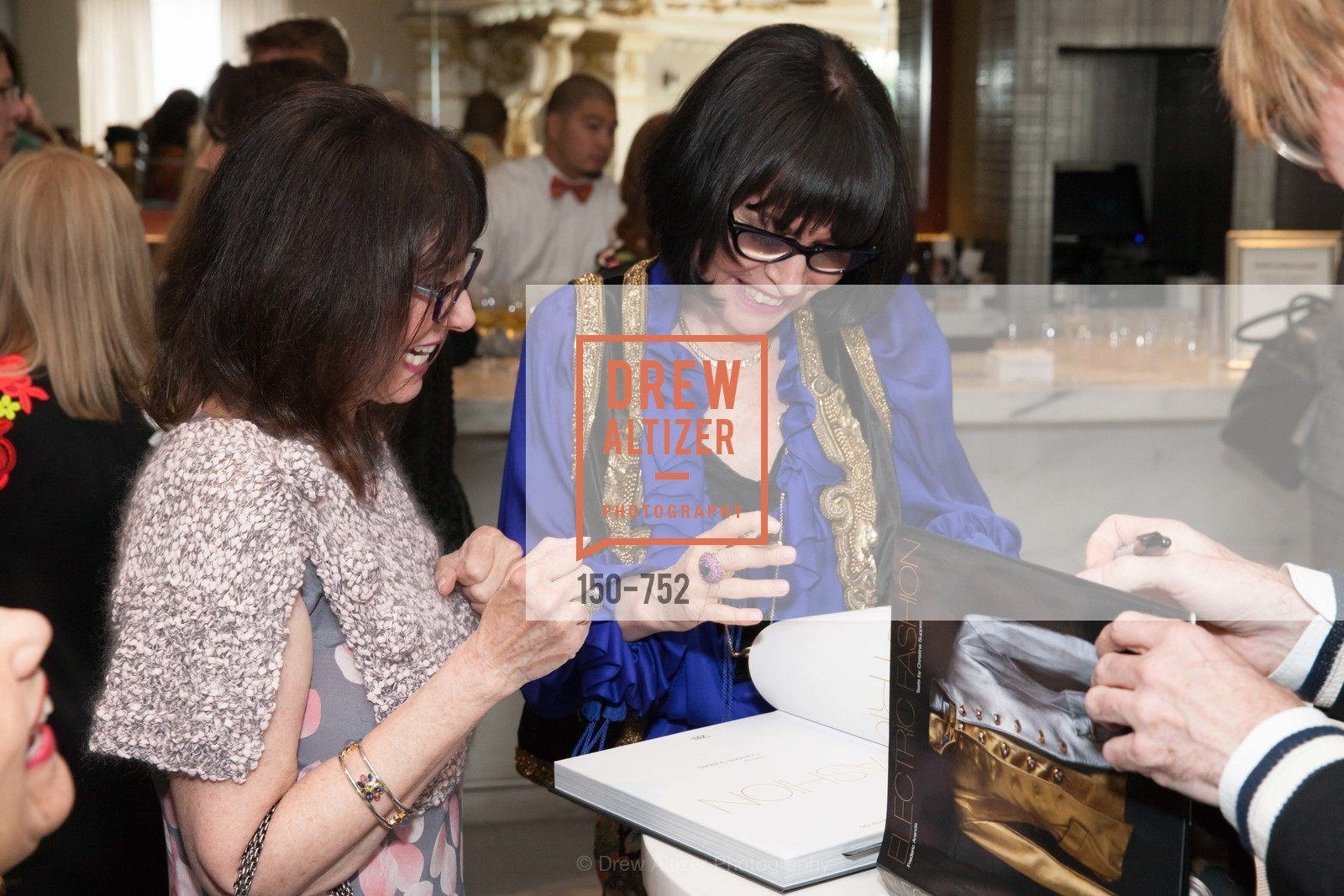 Christine Suppes, Electric Fashion Book Signing with Christine Suppes & Ken Downing at THE ROTUNDA, NEIMAN MARCUS, US, May 27th, 2015,Drew Altizer, Drew Altizer Photography, full-service agency, private events, San Francisco photographer, photographer california