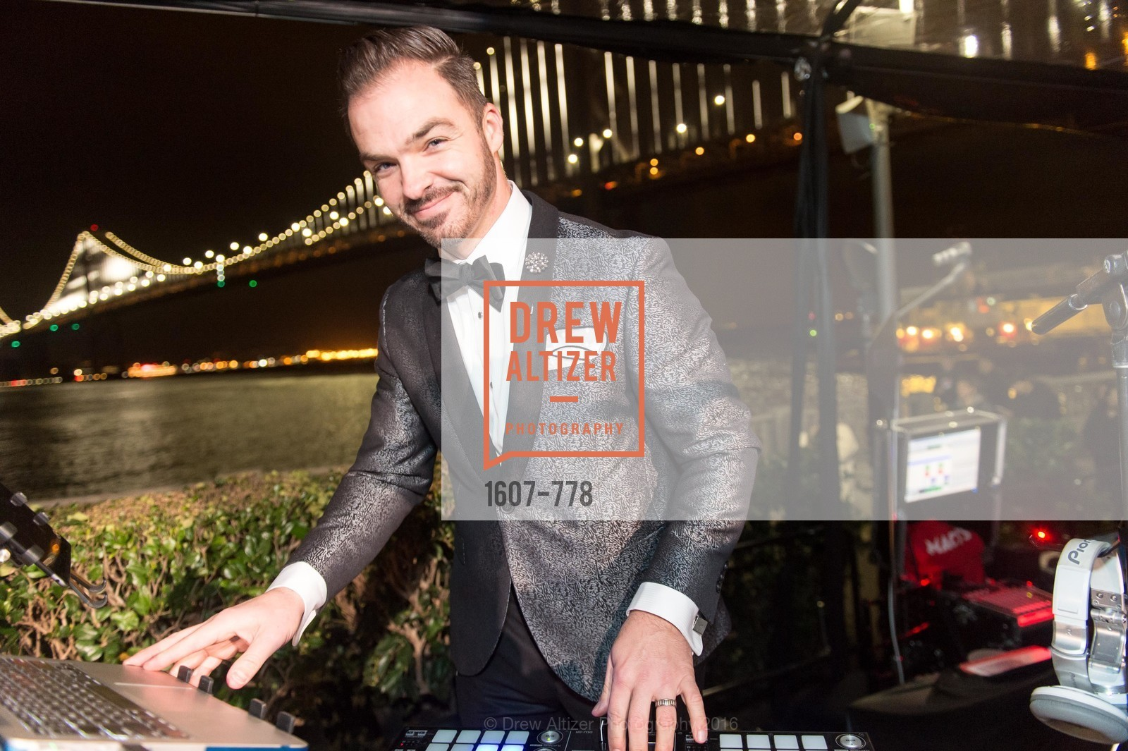 DJ Cory Live, The Bay Lights Grand Relighting Celebration, Epic Steakhouse. 369 The Embarcadero, January 29th, 2016,Drew Altizer, Drew Altizer Photography, full-service agency, private events, San Francisco photographer, photographer california