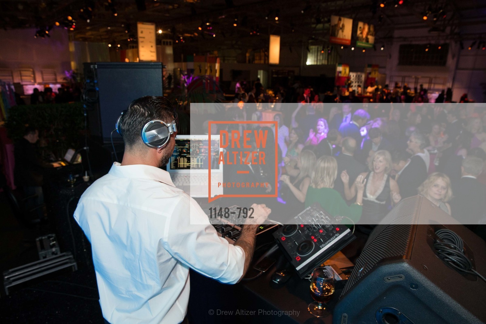 Dj, MEALS ON WHEELS OF SAN FRANCISCO'S 28th Annual Star Chefs and Vintners Gala, US, April 19th, 2015,Drew Altizer, Drew Altizer Photography, full-service agency, private events, San Francisco photographer, photographer california