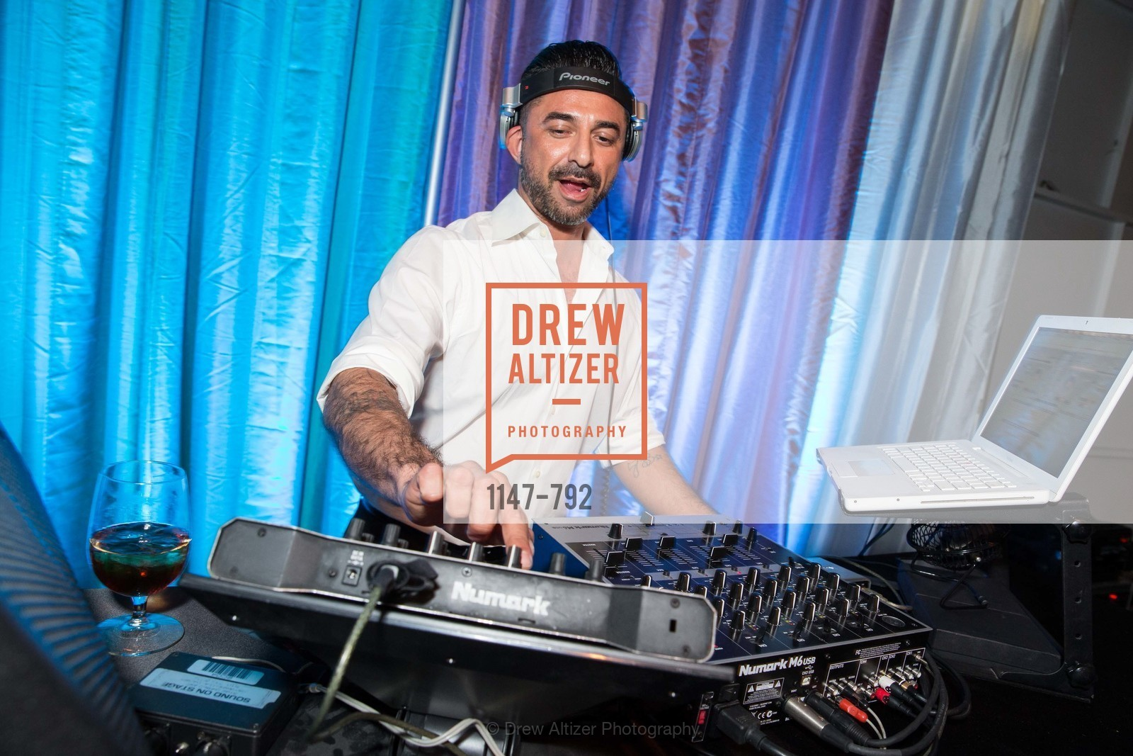 Dj, MEALS ON WHEELS OF SAN FRANCISCO'S 28th Annual Star Chefs and Vintners Gala, US, April 20th, 2015,Drew Altizer, Drew Altizer Photography, full-service agency, private events, San Francisco photographer, photographer california