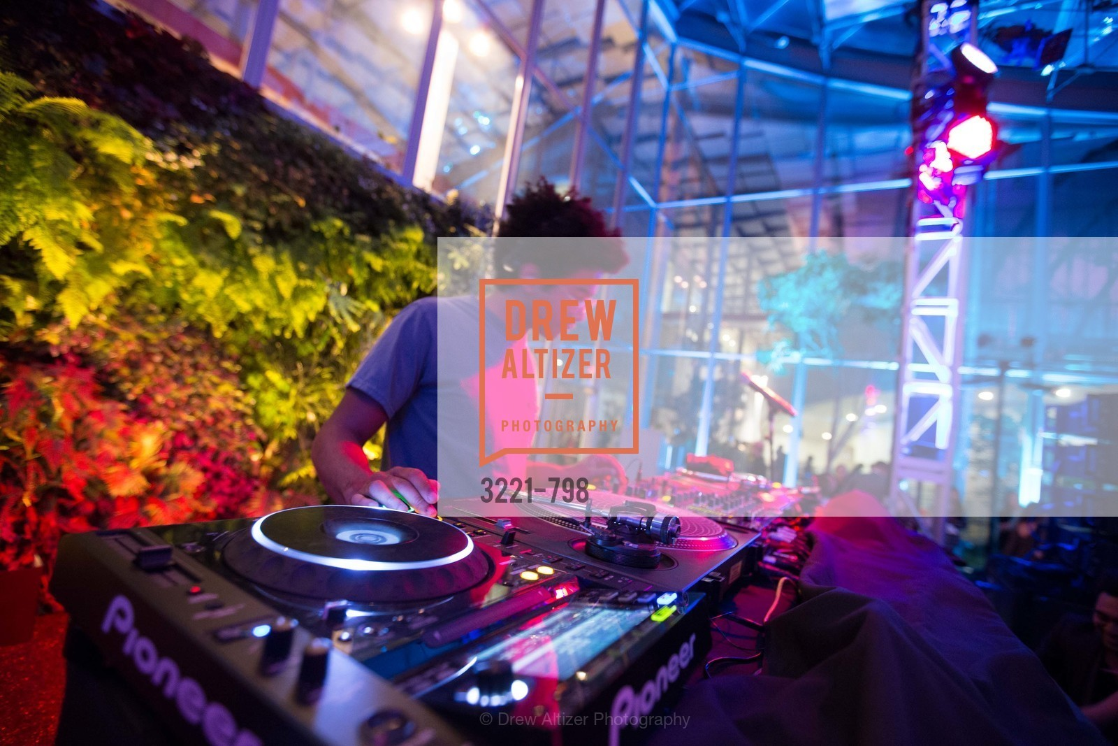 DJ Toro Y Moi, CALIFORNIA ACADEMY OF SCIENCES - Big Bang Gala 2015, US, April 23rd, 2015,Drew Altizer, Drew Altizer Photography, full-service agency, private events, San Francisco photographer, photographer california