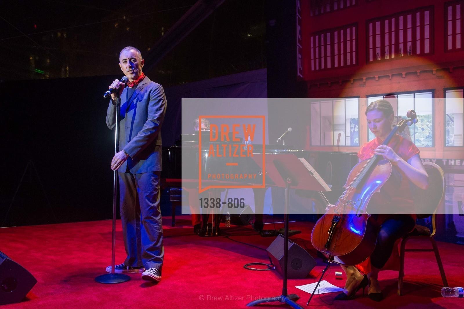 Performance By Alan Cumming, Photo #1338-806