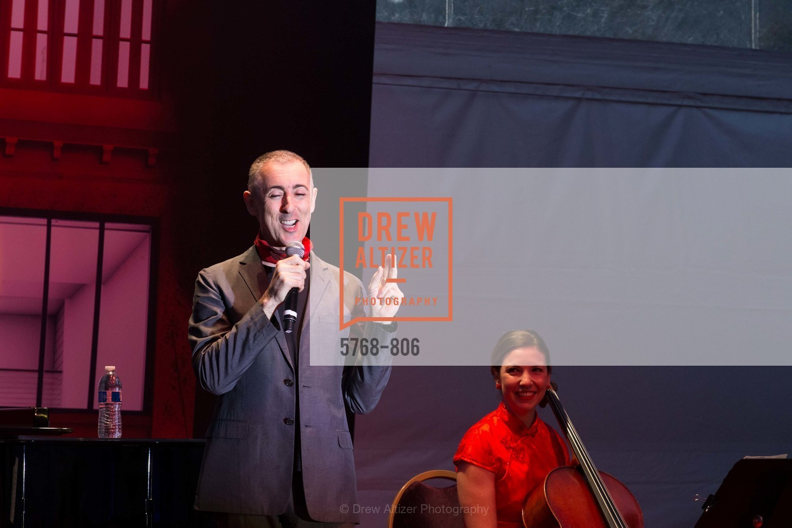 Performance By Alan Cumming, Photo #5768-806