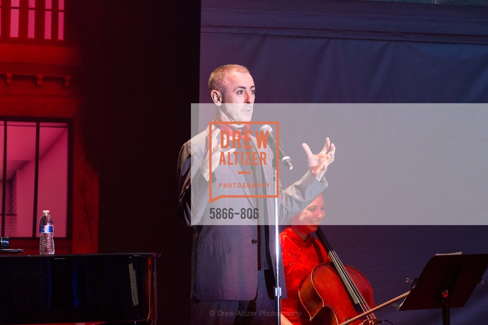 Performance By Alan Cumming, A.C.T. Gala Come Get Stranded, US, April 25th, 2015,Drew Altizer, Drew Altizer Photography, full-service agency, private events, San Francisco photographer, photographer california